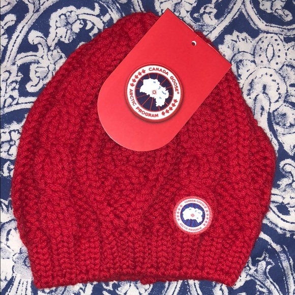 0d53a52667c Canada Goose Ladies Chunky Cable Knit Beanie